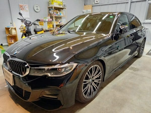 BMW 320i ガラスコーティング施工。